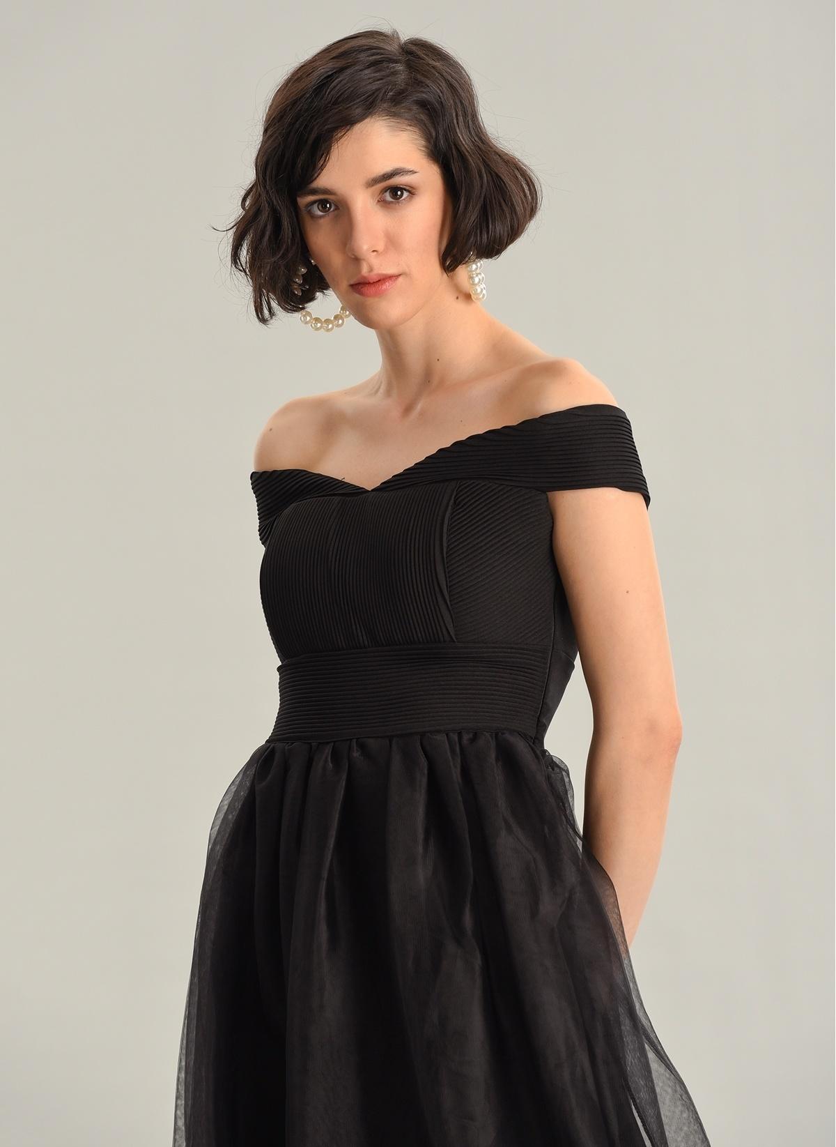17b3929e3cf65 Agenda Kadın Kayıkyaka Uzun Tül Elbise Siyah İndirimli Fiyat ...